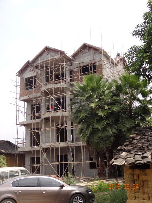 柳州柳城东泉碑塘私人别墅外墙grc施工案例