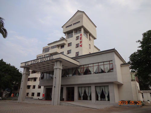 柳州五菱宾馆外墙grc构件线条项目施工案例
