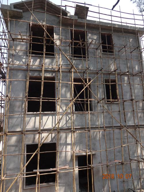 柳州融安县东起私人别墅外墙grc线条构件施工