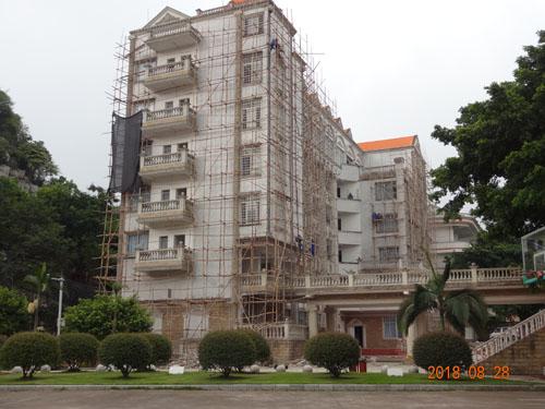 柳州外语学校外墙喷漆翻新施工实拍案例